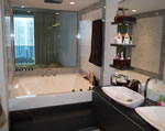 Epic Miami - Bathroom